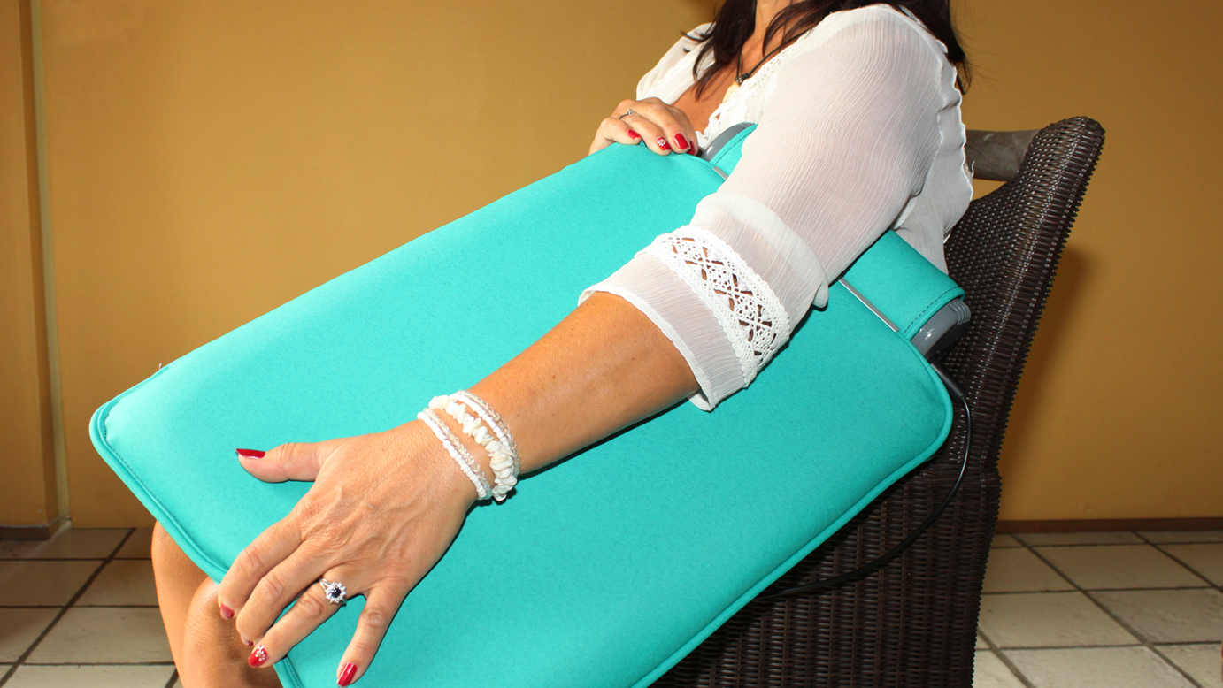 CSTP therapy pad on upper arms and armpit
